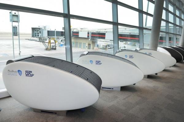 капсула для сна в аэропорту Абу Даби 2013